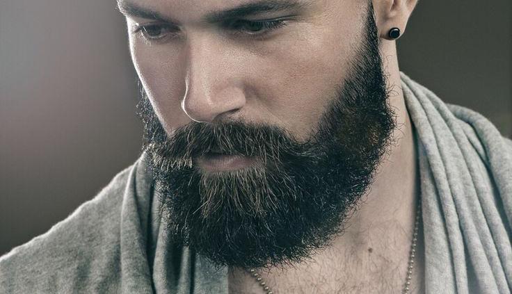 Os fios da barba costumam ser mais crespos e grossos e por isso têm as cutículas mais abertas, como as telhas de um telhado, por isso germes e bactérias conseguem se alojar mais facilmente.