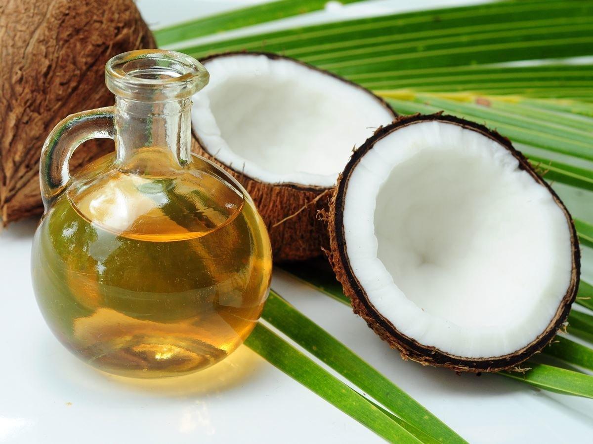Com o seu óleo mil-e-uma utilidades de sabor e aroma agradáveis, o coco vem ofuscando a fama de outras oleoginosas, como a castanha brasileira, e sendo utilizado como protagonista da saúde e da beleza no mundo todo.
